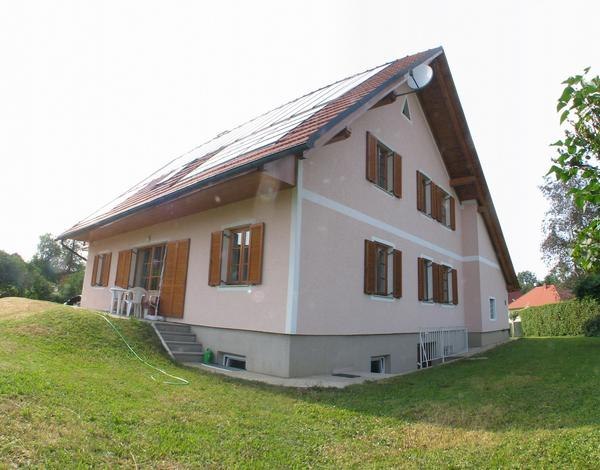 South east view Null energy house in Halbenrain On the esat side is a second entrance.A stair leads to a front door to a large waterproof concrete cellar.
