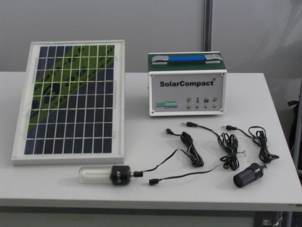 It becomes a light in Africa: Solar set with lamp 7 watts Photovoltic, 7 Ah sealed lead battery and, in addition, a cable with a lamp. Clean light instead of an oil lamp. Completely for 120. EUR.