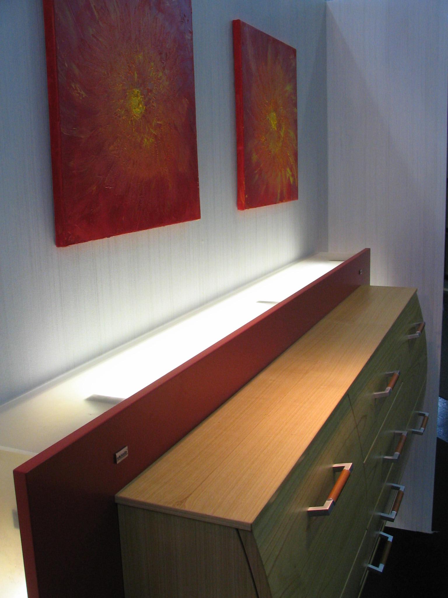 kommode f r indirekte beleuchtung. Black Bedroom Furniture Sets. Home Design Ideas