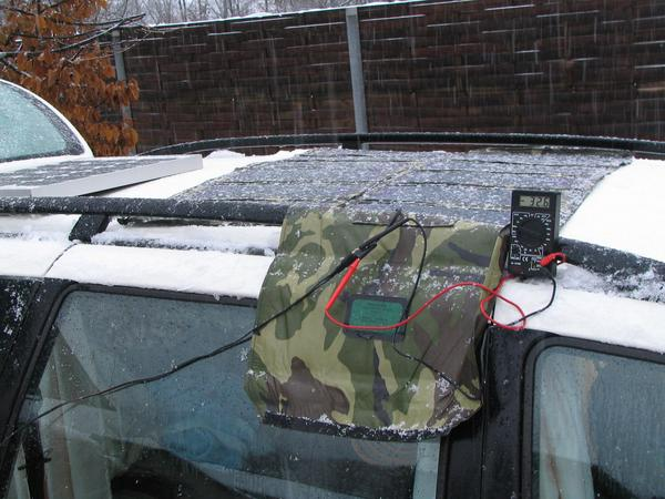 Solar power despite snowfall While the crystalline modul delivers even not enough voltage delivers the Three layer amorphous from Unisolar still 32,6 mA charge current. 398 mW from 0,5m².