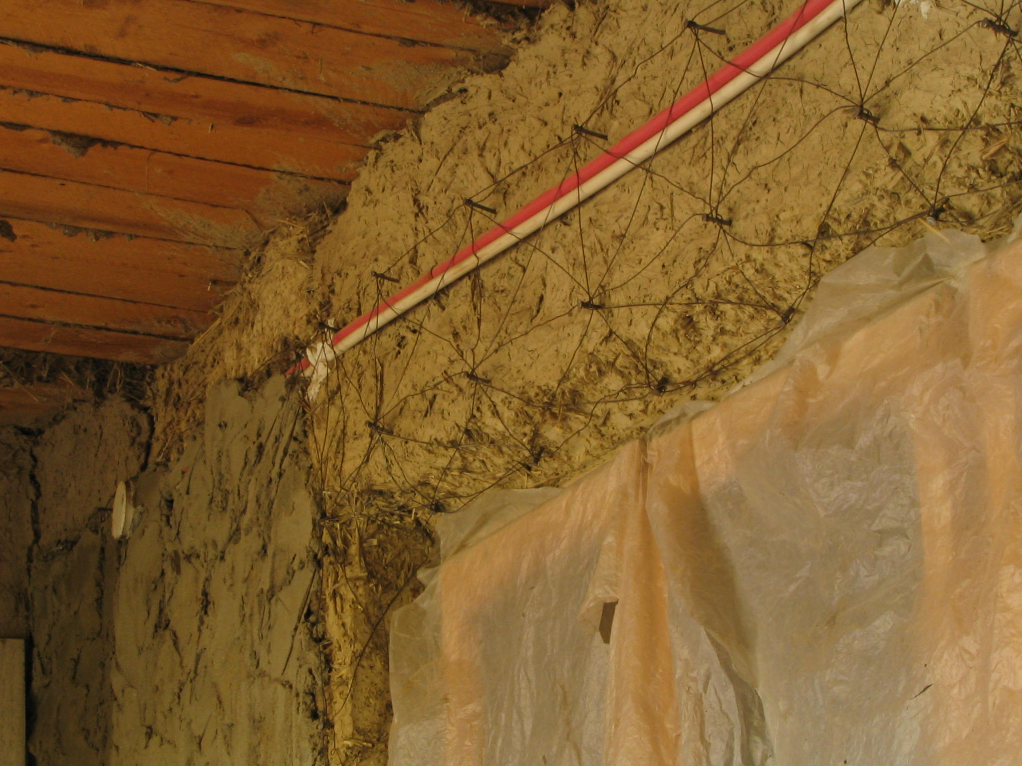 Plaster With Wire Mesh