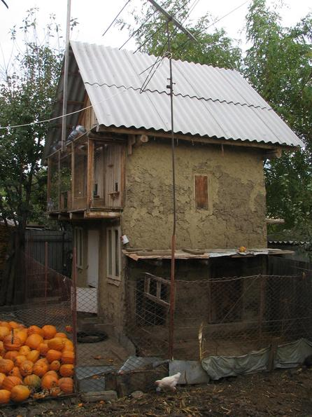 Pigsty from a single-family house A single-family house means in Romania as much independence as possible and independence means own food like pigs, chickens and vegetables.