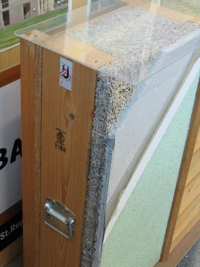 Wall construction wood Heradomo shows a display case, how to reach with 35,5cm wall thickness on u=0.15. 0,5cm conver, 2cm ground, 5cm Heraklith BM, 20cm jamb and insulation, 1.5cm OSB plate.