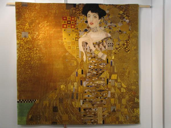 Wall carpets: Klimt Adele Much more cheap than for 100 million EUR there is at the company Perle Klimt's Adele as a wall carpet. One of numerous motives which are available as wall carpets.