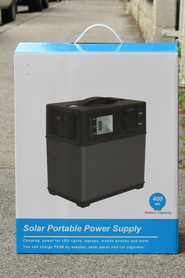 Portable solar system for supply up to refrigerator On the box show the 4 sides, what the device can do everything. Input 230 V AC via mains adapter, 12V car connection, solar input, output USB, 12 V, start a car and 230 V AC .. Picture 2